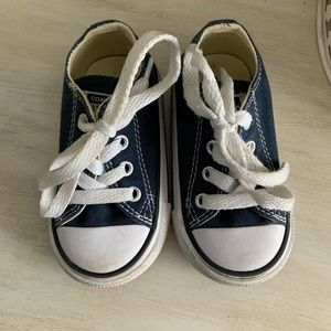 Toddler converse size 4